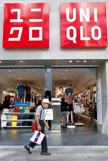 優衣庫以機能性基本款商品起家,這項定位如今卻成為轉型困難的主因。