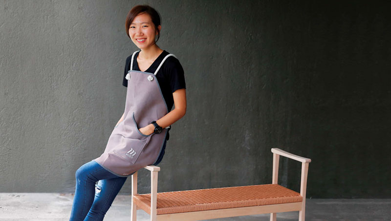 Claudia無木工背景,憑興趣進修一年半完成長凳,椅面以紙繩編織,現成為木工房手作體驗課教師。