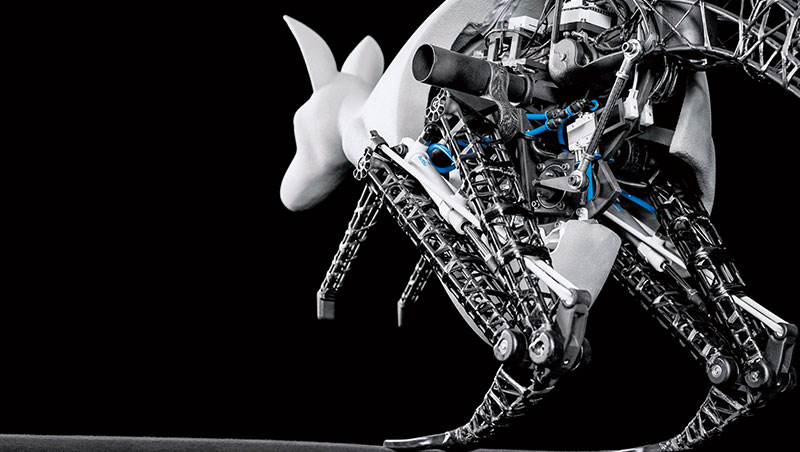 螞蟻 可舉起體重50 倍的東西,袋鼠( 圖中) 能跳40 公分高⋯⋯,工程師複製2 種生物優勢,讓小型機器人變得更機動,更節能!