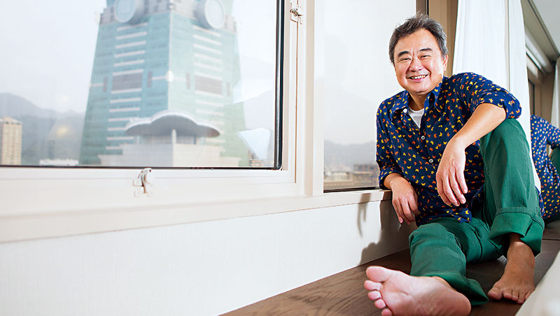 陳昇在台北信義區舉辦超過20 次跨年演唱會,從一片荒蕪的東區,唱到現在是首善之區。