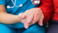 有尊嚴的走完人生最後一程!「安寧病房」很貴嗎?哪種末期病才能入住?