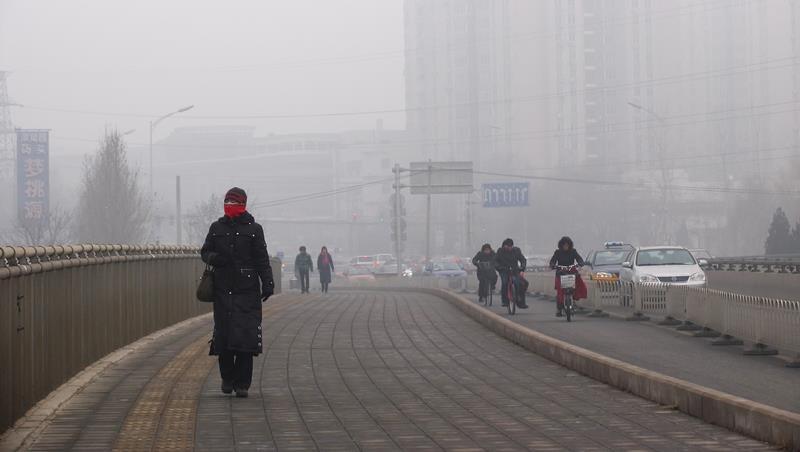 花錢買新鮮空氣!這個外型像呼吸器的「隨身空氣淨化器」,能徹底阻擋PM2.5