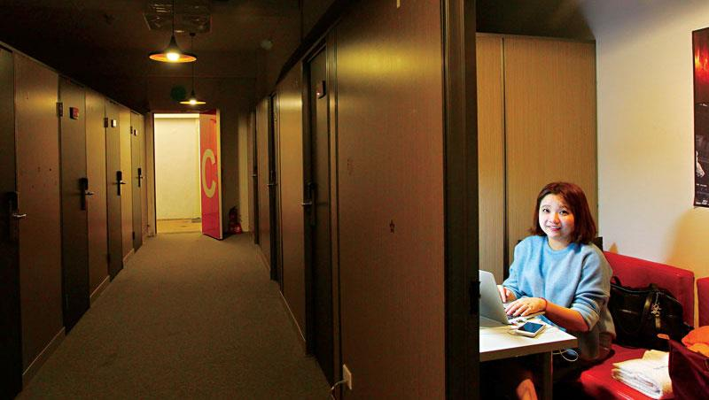 28歲臉書小編 官員坐台下聽她開講
