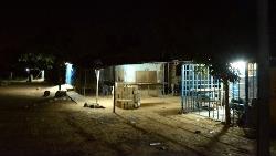 為什麼在西非,雜貨店、水電行...不嫌電費貴,打烊後仍不熄燈?一個台灣人的觀察