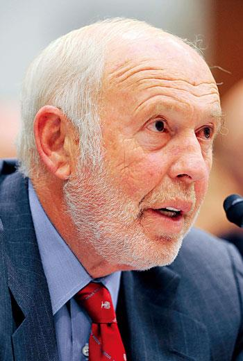 「全球最賺錢的數學家」,這是西門斯(James Simons)的頭銜。