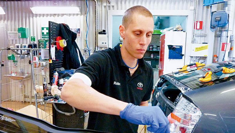 豐田位於哥特堡的維修服務中心試驗6工時制,據官方說法,員工自行調配休息時間以維持效率,有助公司提升利潤。