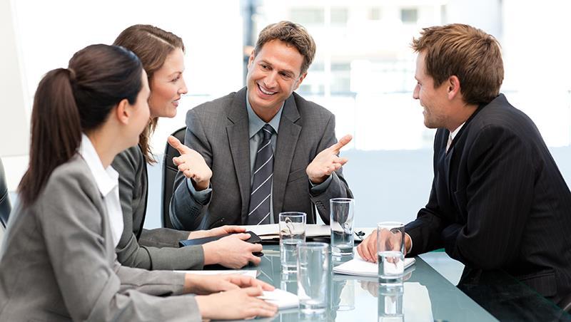 拼第一名不過是「專業工具人」!最厲害的專業是:搞定100個有能力的人