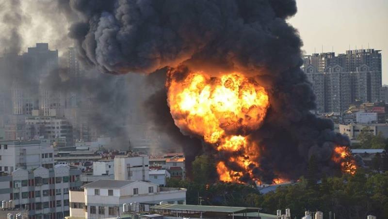 今日夜溫差大!桃園的輪胎工廠大火,一張圖告訴你,從氣象看汙染物怎麼走?