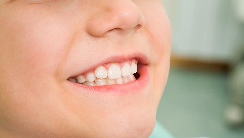 牙齒裡面有蟲蟲喔~對孩子編故事,方便了大人,小孩學到了什麼?