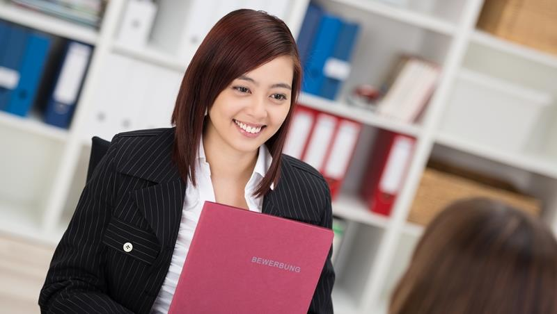 面試英文》當主管問你是否「job hunt part time」,不是問有沒有兼職... - 商業周刊