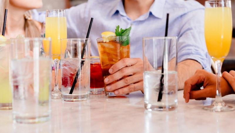 超商就能買到材料!達人傳授3招,新手過年也能調出讓人驚豔的「漸層雞尾酒」