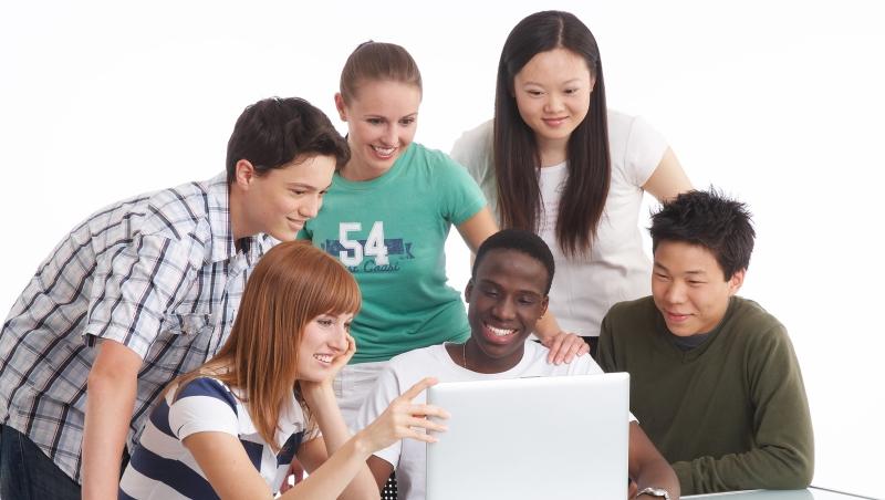 在美國讀書,台灣學生只想硬著頭皮發言搶分數,韓國學生卻覺得這是「浪費時間」