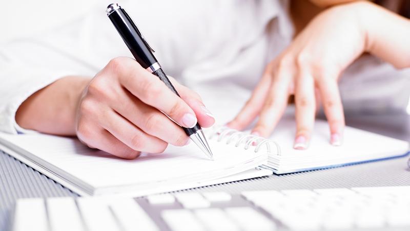 日本頂尖執事的觀察術》挑錯你的筆、名片夾或手機殼,小細節也會破壞專業形象!