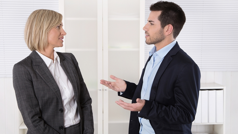 買車買房別猛挑毛病、搞清楚對方底線最重要!想成功拿折扣、加薪,「談判」該掌握的5件事