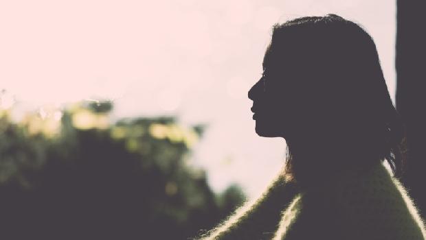 事事要求完美卻換來離婚和孩子的不諒解...一個女強人婚姻的啟示:愛不是支配