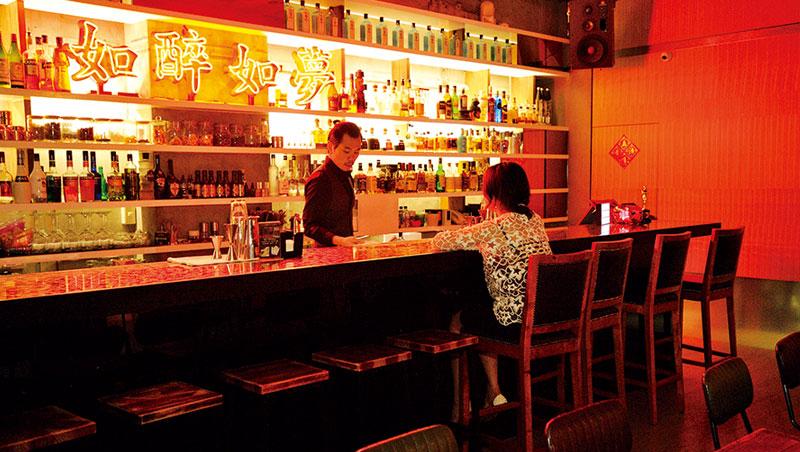 來到西門町,除了看電影、欣賞次文化,踏入HANKO 60喝上一杯調酒,是讓五感重新打開的新奇體驗。