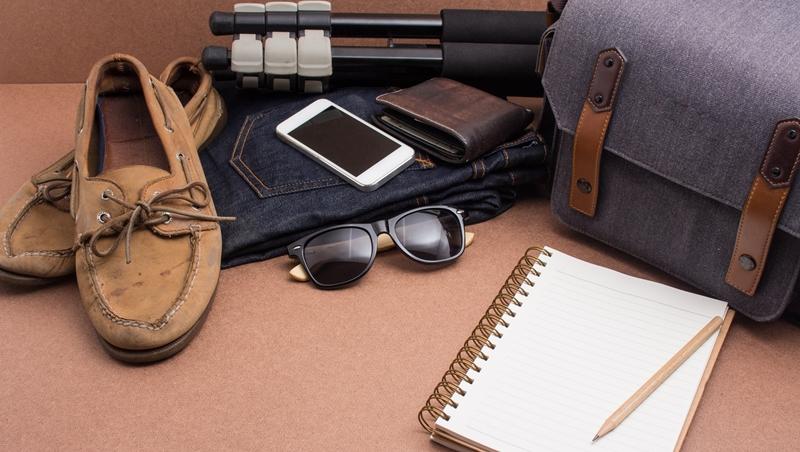 出國沒帶「迴紋針」會很慘?不只護照、信用卡,網友分享出國必備的10個實用小物
