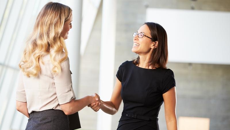 跟50歲女性企業家打招呼卻被無視...換掉短裙後大逆轉!一個形象管理專家的親身經歷