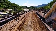 美國不屑花半毛錢搞「基礎建設」,台灣卻砸4千億建軌道...政府的計畫難道是拖跨經濟?