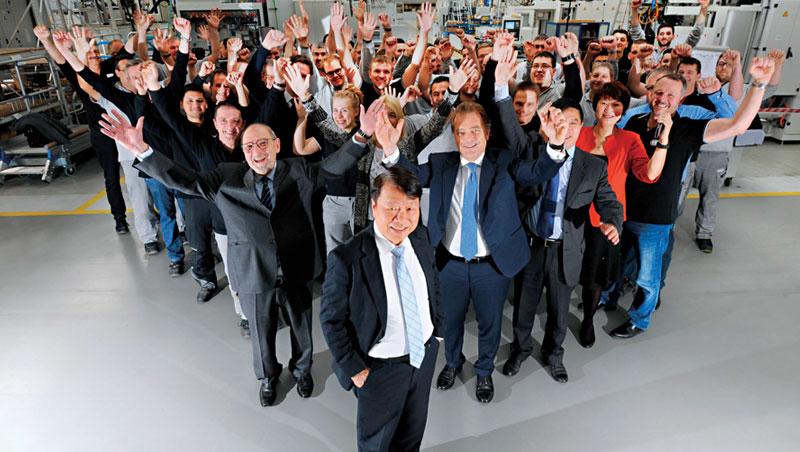靠購併,版圖橫跨三大洲、旗下員工6 千名,下一步,還要拚世界第一!