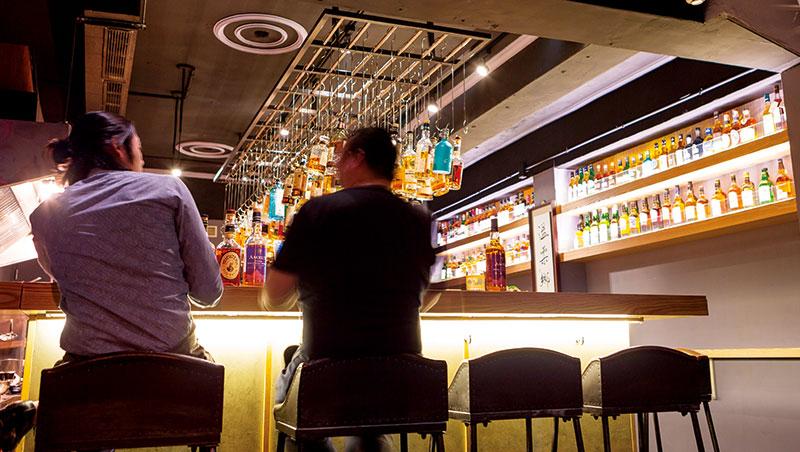 雖然,光以產量而言,蘇格蘭威士忌稱霸全球,但在美國、日本、加拿大甚至亞洲,在在都有不少銳起的冷門威士忌,在市場上頗受好評。