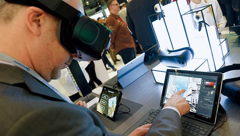 AR 將虛擬與現實貼合在一起,不會像VR 頭盔容易頭暈,今年世界移動通訊大會也有推出相關產品,這也是蘋果發展目標。