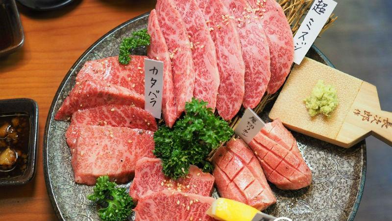 日本燒肉店點餐攻略》「無骨牛小排」看出一間店水準!這樣點,就能吃到最美味的燒肉