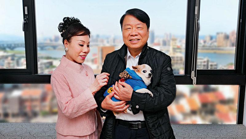 朱志洋平時都搭小黃代步,即使回台也很少在家,就因我們來採訪,讓朱太太直說:「賺到一個情人節。」
