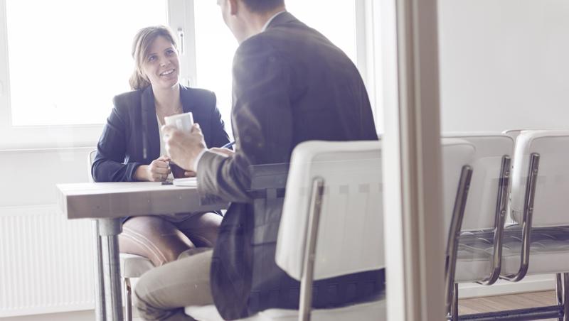 吃喜酒也能聊到大訂單!對陌生人自我介紹,要準備「老闆、同業、鄰居」3版本 - 商業周刊