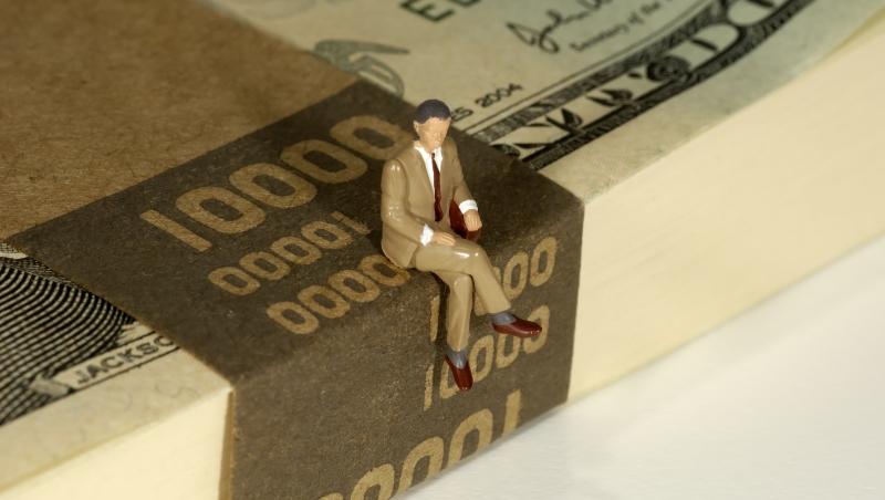 企業加薪...金融業很積極