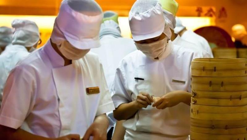 鼎泰豐大廚10個有9個都說:最難做的不是18摺小籠包,而是每天變化的三菜一湯「員工餐」