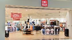 疫情讓中老年網購成長25%!強調質感的Uniqlo,要怎麼靠電商走出營收、獲利雙衰?