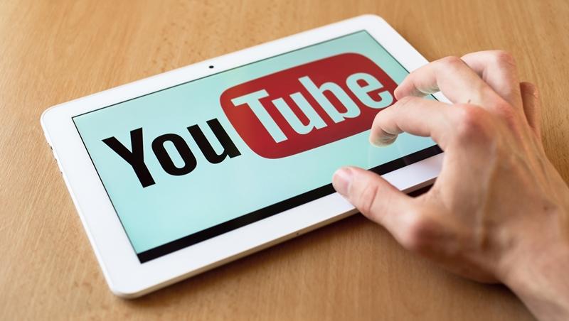你還在電視看劉寶傑嗎?年輕人都在看Youtube,人氣最高的是這個18歲「屁孩」