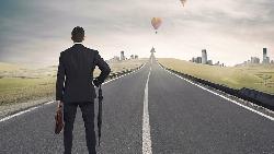 誰說一定要當主管!不走升遷這條路,這樣做,你的薪水也可能比主管更高