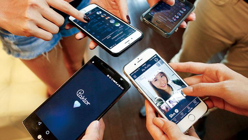 社群軟體競爭激烈,交友App猴子的特色在於媒合同齡陌生網友視訊聊天,每次僅15秒。雙方須同時延長時間才能繼續交談、加好友。
