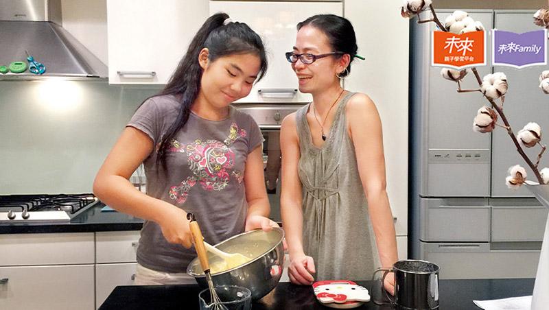 沒時間、不會煮,做菜有世代斷層...詹宏志:「吃飯」已經成為新社會問題!