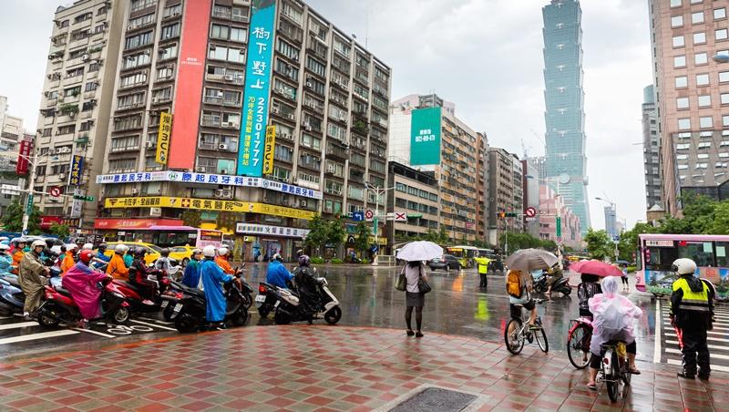 大雨倒一天,周三就轉晴!彭啟明:端午連假天氣也不穩定
