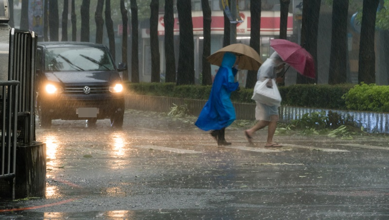 母親節天氣不美麗,首波梅雨鋒面抵台!明天開始大變天,未來一周都是雨