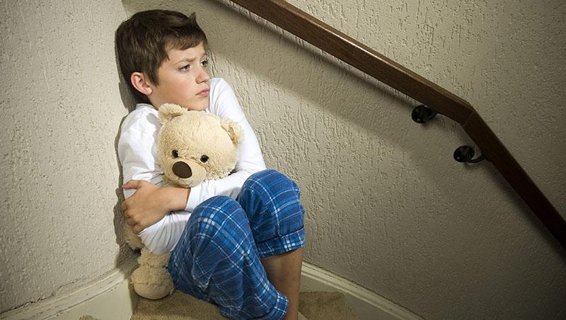 戀童癖往往是周遭熟人...3歲就要認識私密處,預防孩子被性侵,父母必做5件事