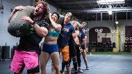 運動不該是一個人戴耳機用跑步機!這間健身房讓會員愛上「彼此切磋」,店數和星巴克一樣多