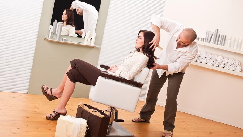 """剪頭髮說""""I cut my hair"""",老外可能會覺得你好厲害!正確說法其實是... - 商業周刊"""