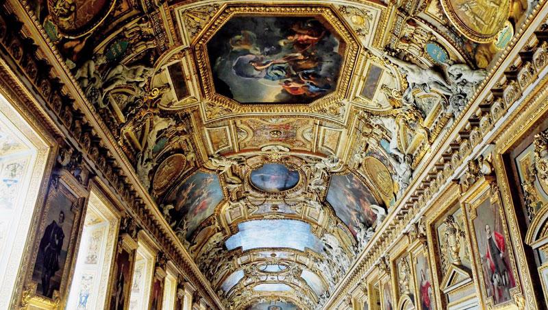 阿波羅走廊為路易十四所建,天花板壁畫描繪四季,兩側是君王肖像,宋安每次去都會再度被它的氣派震懾。