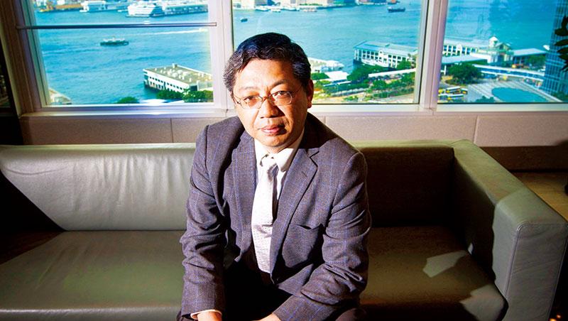 巴曙松認為,港交所面臨的維多利亞港,象徵香港中立、開放,應把握機會與陸合作,而非競爭。