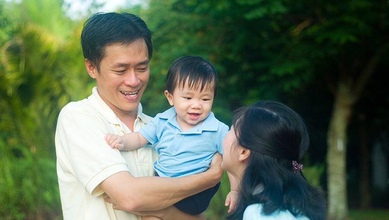 寶寶出生前,父母只期待「健康就好」,為什麼長大後卻老是用「為你好」要小孩成績好、賺大錢?