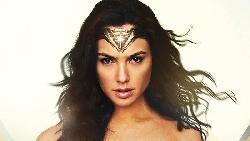 《神力女超人》教我的事:以色列女人25歲結婚、平均生3個小孩...家庭從來不是束縛,每一個人都能勇敢追夢