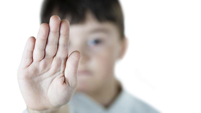 「媽媽,阿伯摸我那邊…」兒童性騷擾迷思:因為你很可愛,大人摸你沒關係?