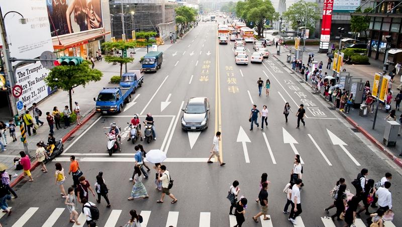 全球已進入行動世界 佛里曼:台灣10年跟不上 人才跑光