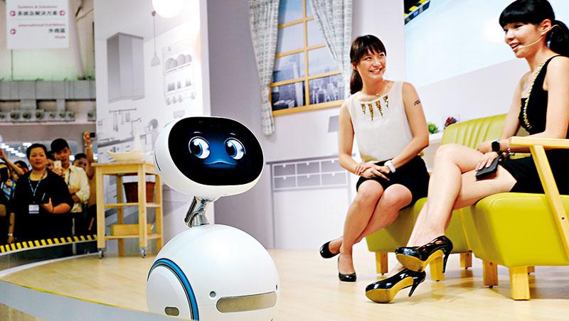 華碩力推Zenbo 機器人,卻無專責單位。作戰速度慢、資源不聚焦,成這次改革主因。