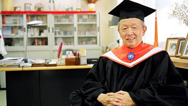 李家同要求學生「把演講聽完訓練忍耐力」...唉,老人沒有競爭力,難怪台灣會變這樣