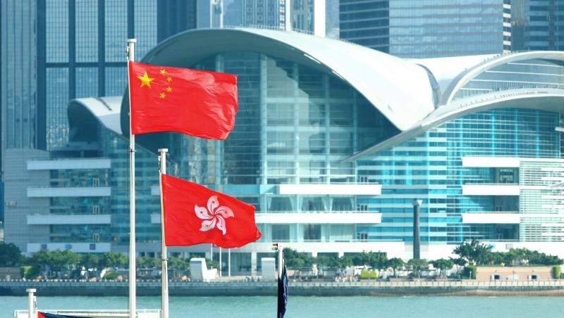一個香港女孩在回歸那年出生,曾經驕傲「自己也是中國人」...如今:問我100次我也不承認